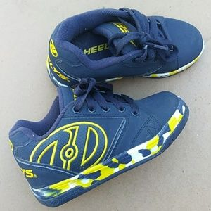 Like-new Heelys Force Roller Shoes
